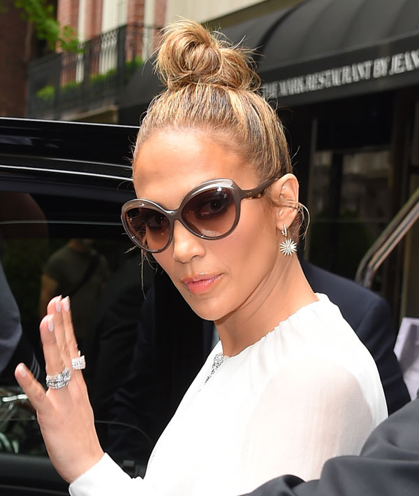 1be7f2e998 Jennifer Lopez Flaunts Salvatore Ferragamo Sunglasses