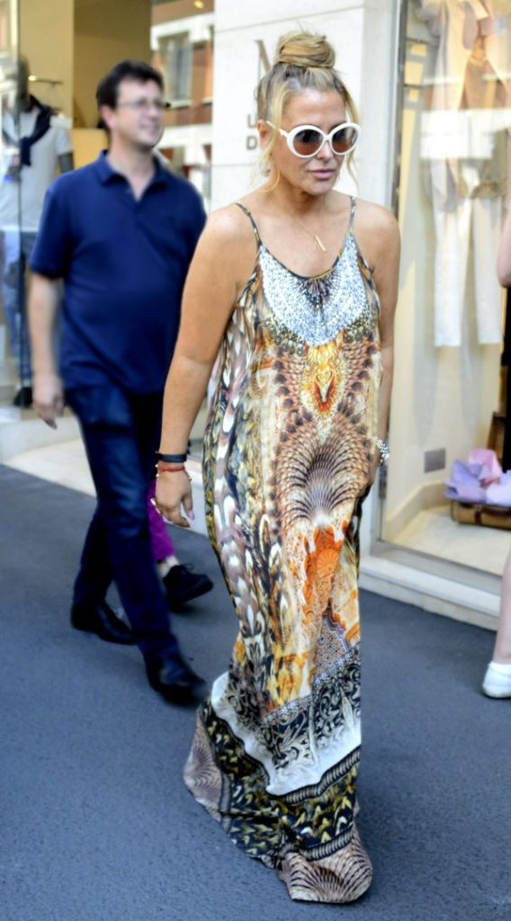 Anastacia, The Eclectic Pop Star, Looks Classy In Swarovski!