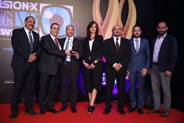 VXVP Awards 2017: Freshlook Colorblends Wins The Award!