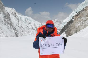 Reaching The Peak! Essilor on Mount Everest!