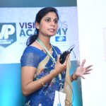Anitha Arvind helps the audience understand in detail about contact lenses dispensing.