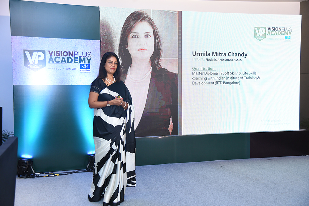 Urmila Chandy helped the audience understand how to recommend eyewear shapes by analysing their clients face and body shapes.