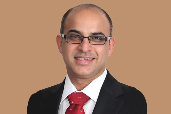 Dr. Avinash Gurbaxani, Consultant Ophthalmologist, Medical Retina & Uveitis Specialist at the Moorfields Eye Hospital, Dubai.