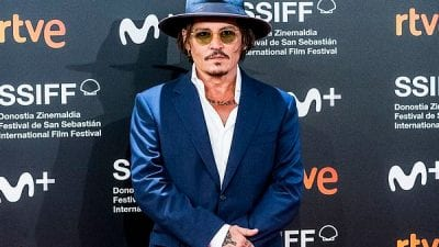 Johnny Depp Rocks in Moscot